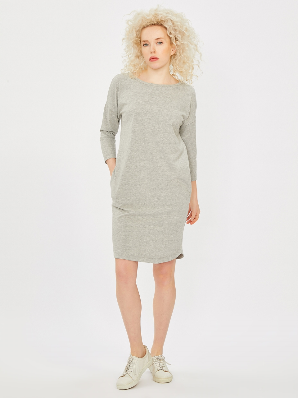 Comfortable Cut Dress With Pockets