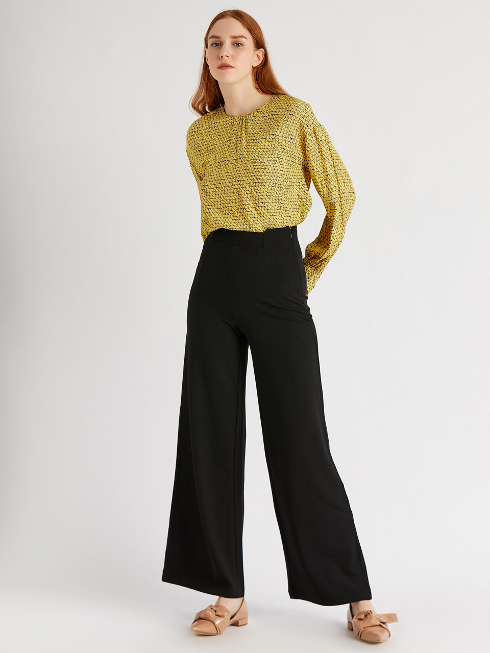 Elastic Fabric Wide Leg Trousers