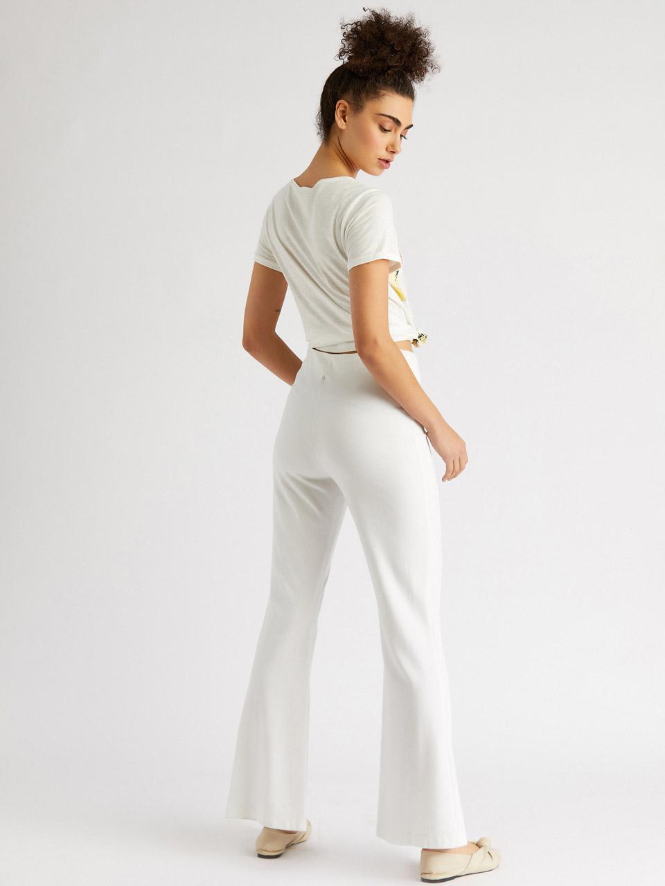 Düğme Detaylı Boru Paça Pantolon