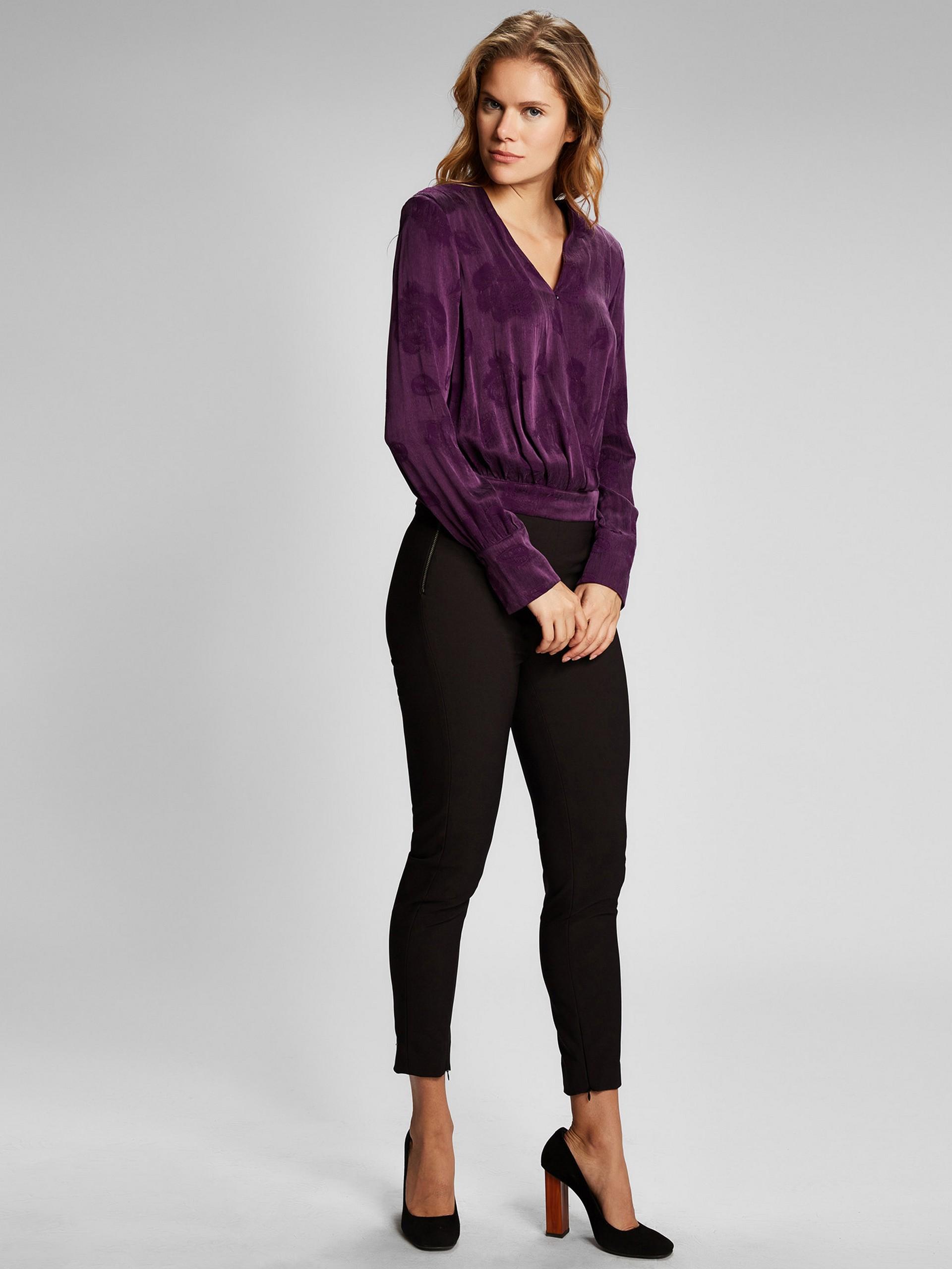V Yaka Uzun Kollu Çiçek Desenli Bluz