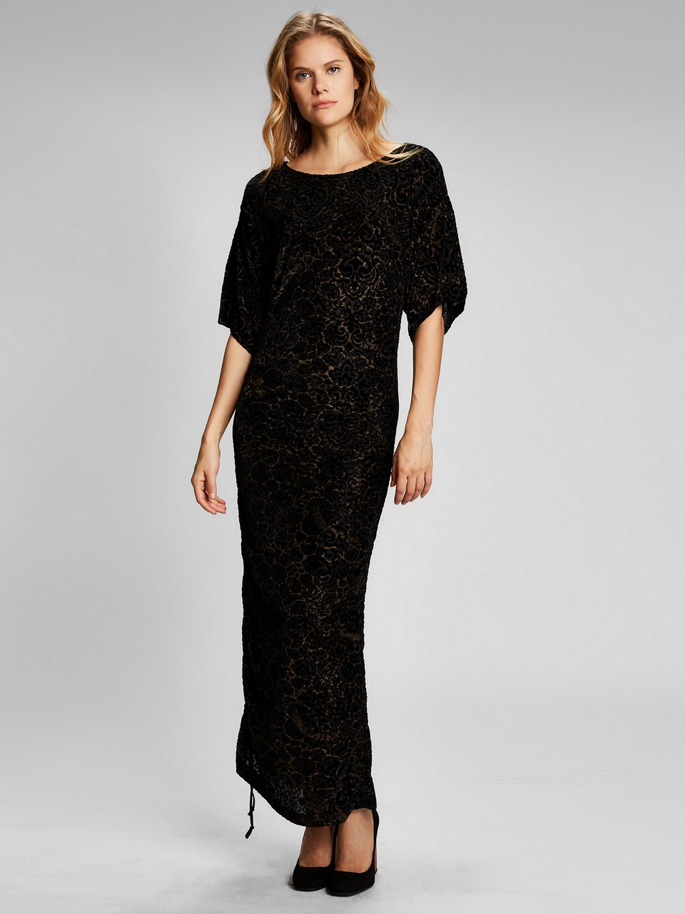 Kayık Yaka Yarım Kol Etek Ucu Büzgülü Elbise