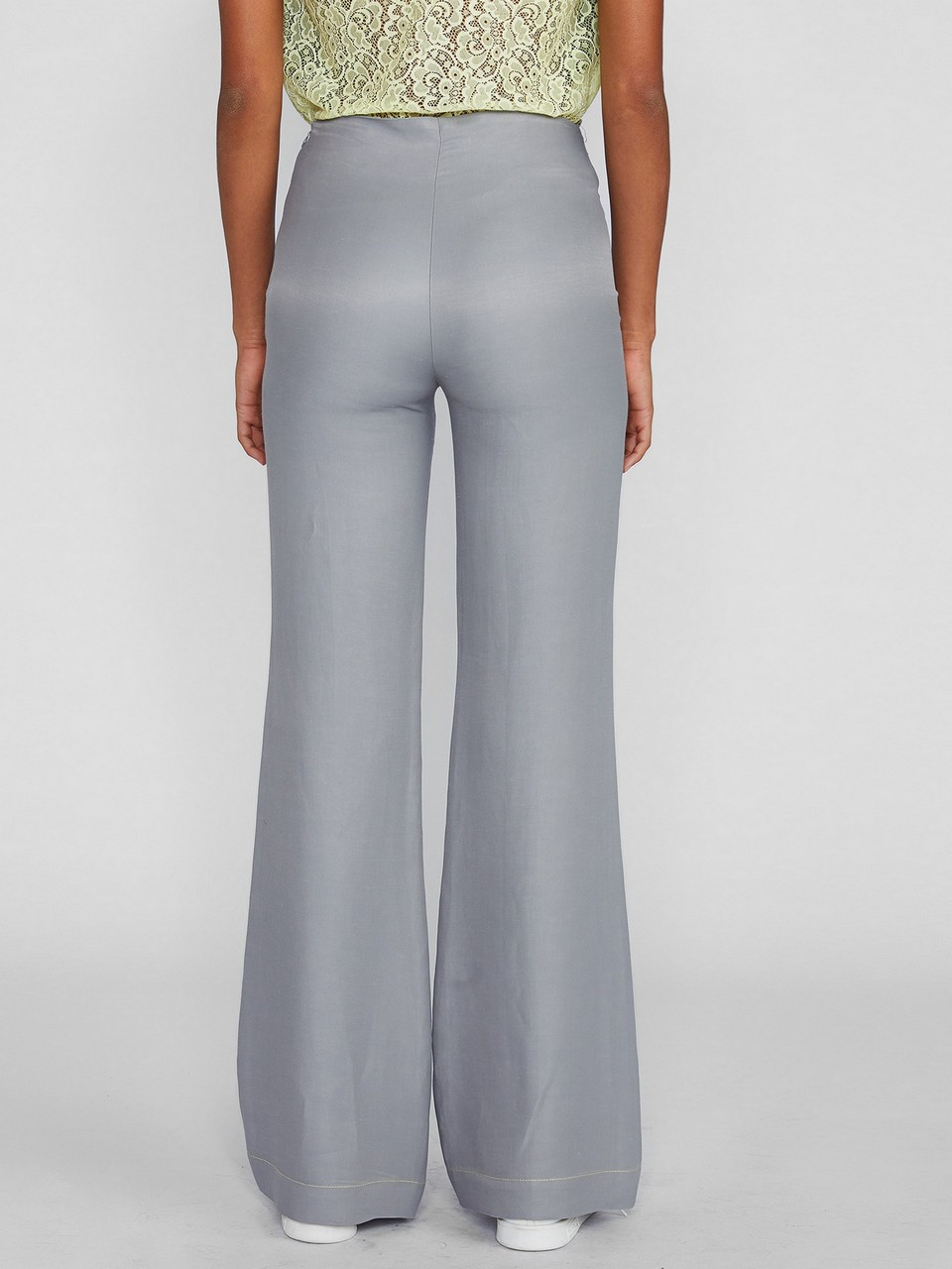 Rahat Kesim Önde Cep Detalı Pantolon