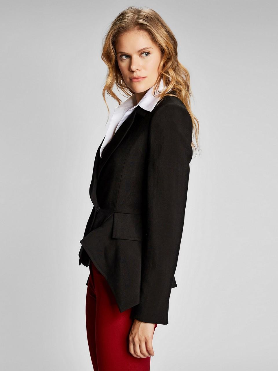 Bele Oturan Blazer Ceket
