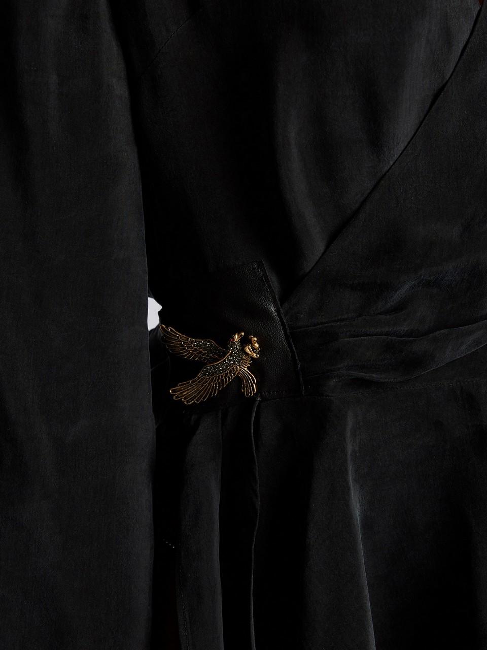 Derin V Yakalı Kolları Volanlı Asimetrik Kesim Taşlı Bluz
