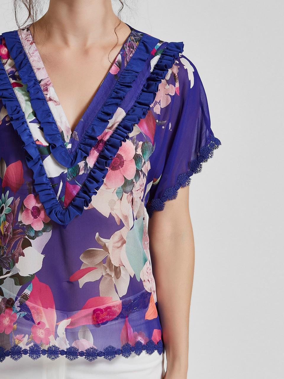 V Yaka Çiçek Desenli Şifon Bluz