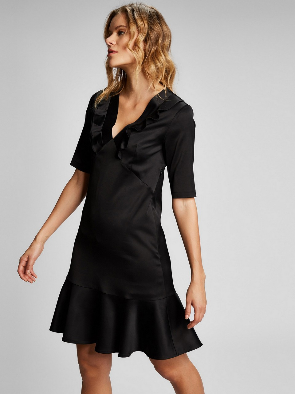 Derin V Yakalı Yarım Kol Elbise