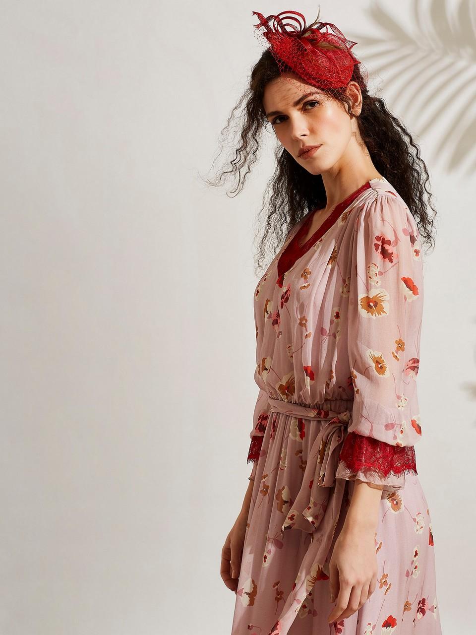 V Yakalı Dantel Detaylı Şifon Elbise