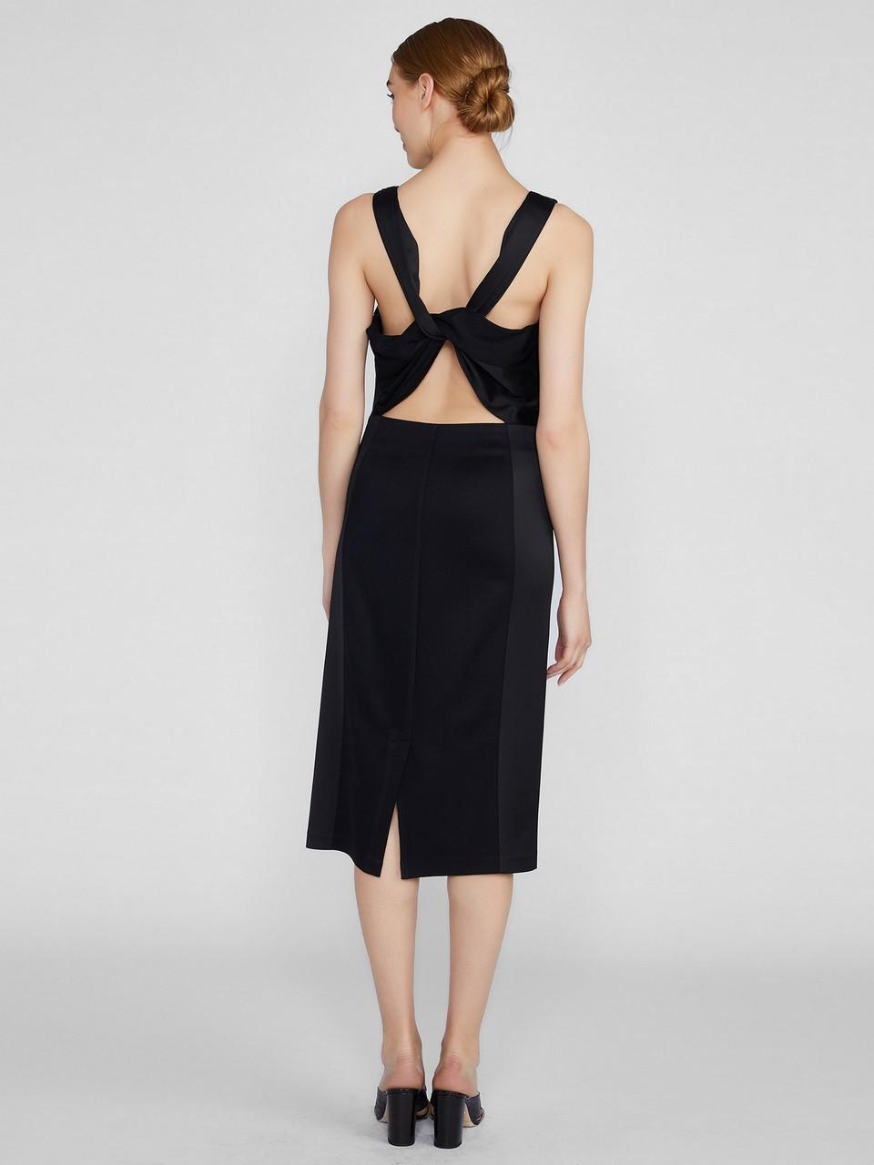 Sırt Dekolteli Pamuk / Floş Elbise