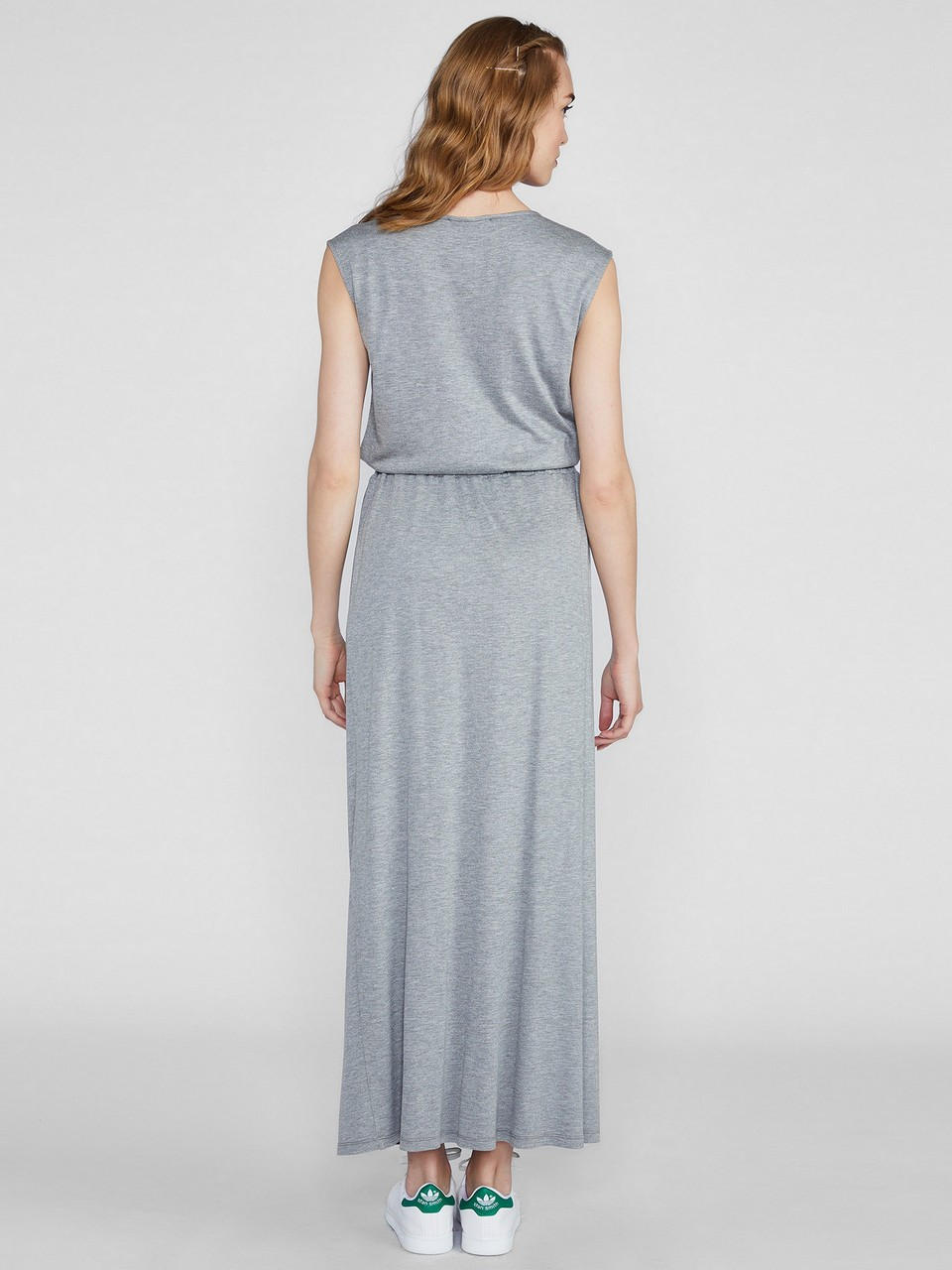 Sleeveless Dress With Elastic Waist
