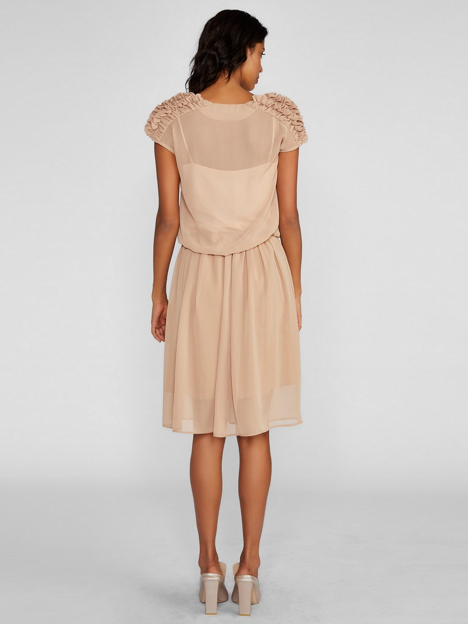 V Yaka Belden Büzgülü Şifon Elbise