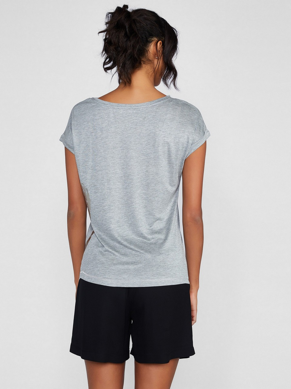 Kayık Yaka Japone Kol Baskılı T-Shirt