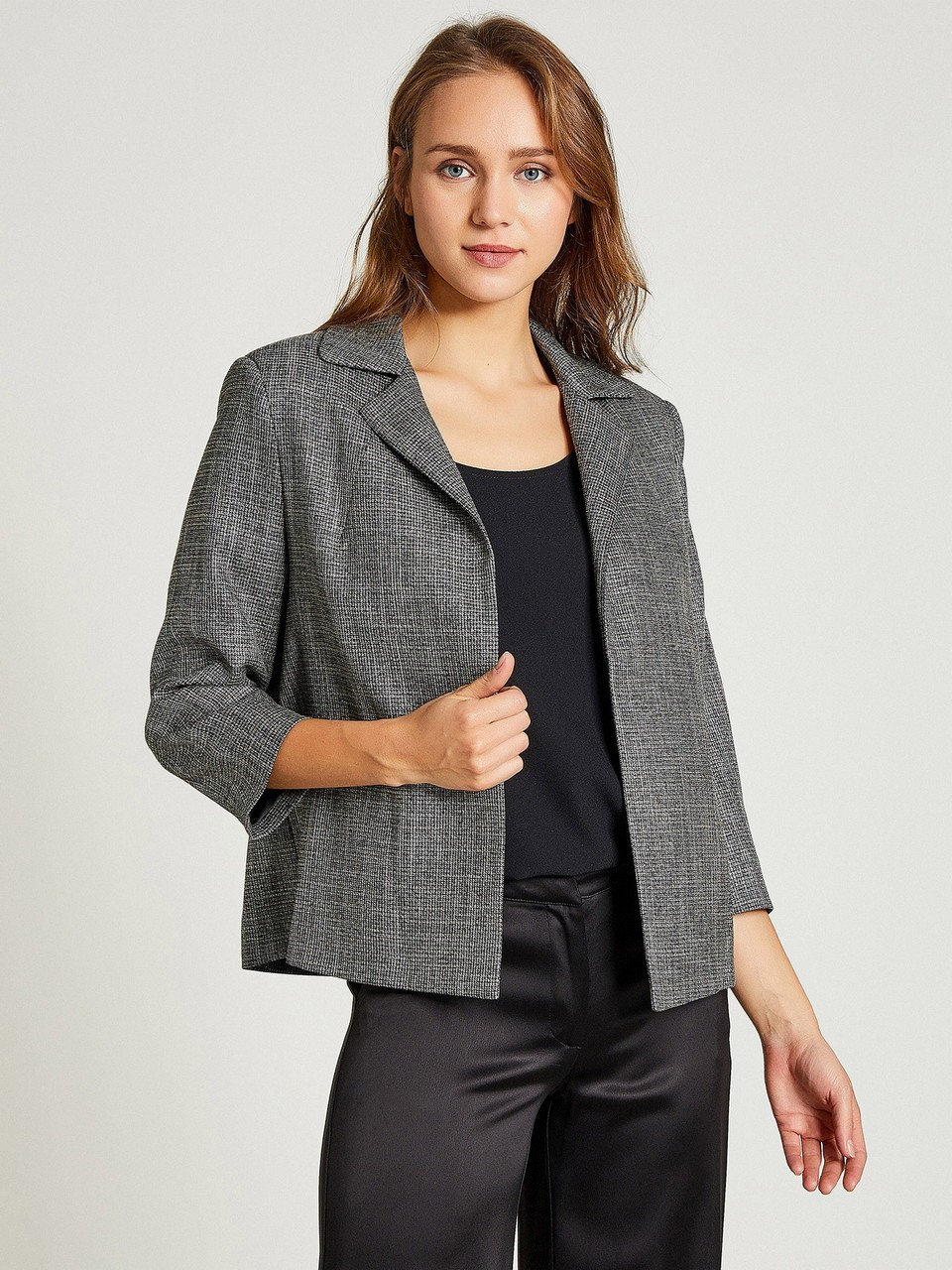 Three Quarter Sleeve Buttonless Silvery Jacket