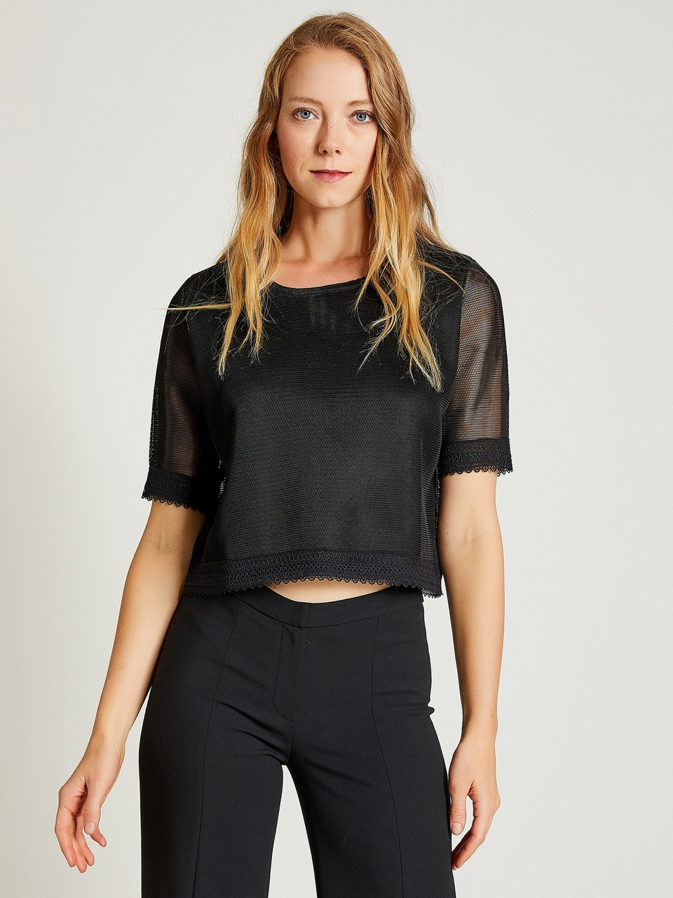 Sleeveless Mesh Blouse