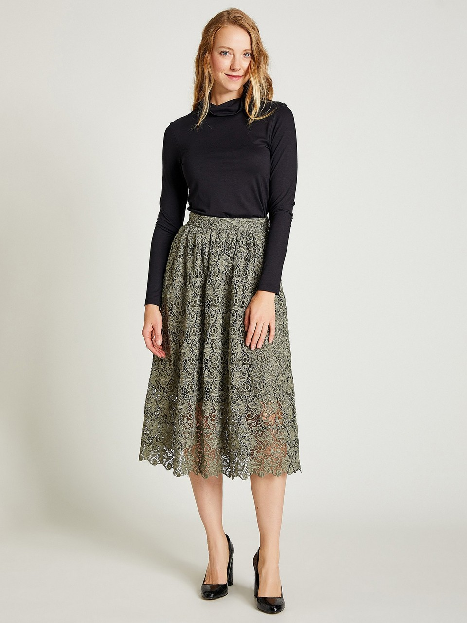 Lacy Bell Shape Skirt