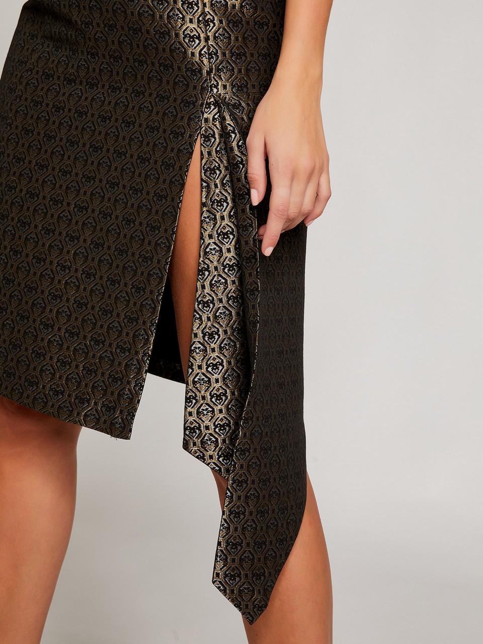 Yırtmaçlı Asimetrik Kesim Simli Elbise