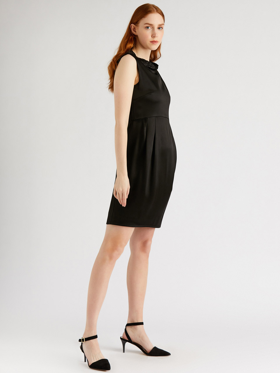 Kolsuz Saten Mini Elbise