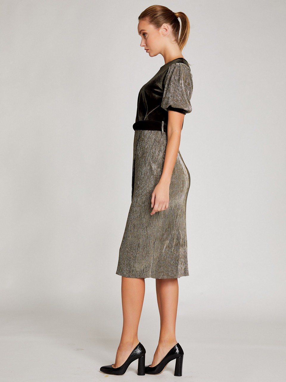 Kayık Yaka Kadife Simli Elbise