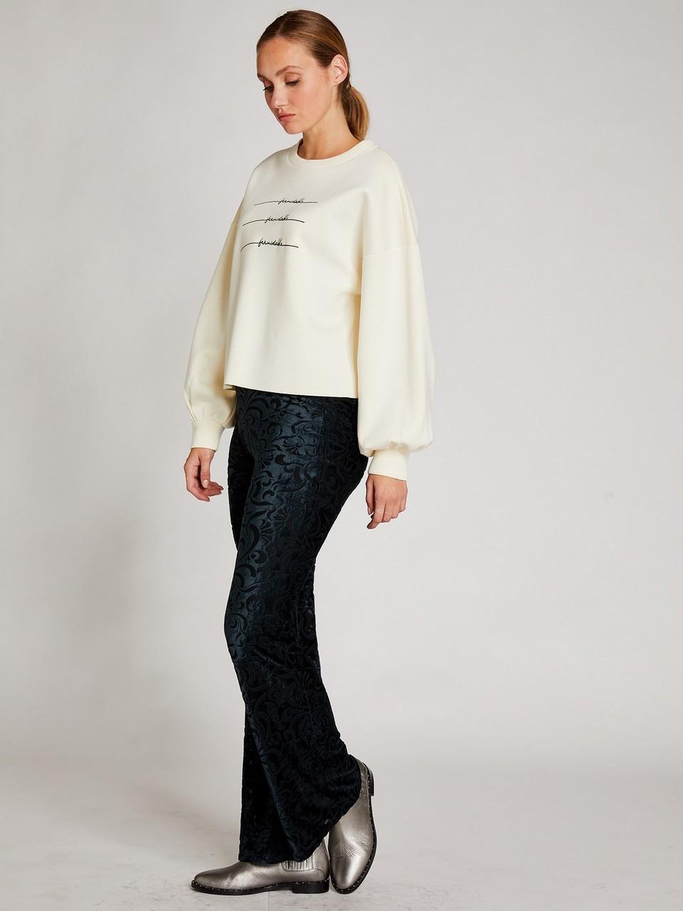 Önü Nakışlı Sweatshirt
