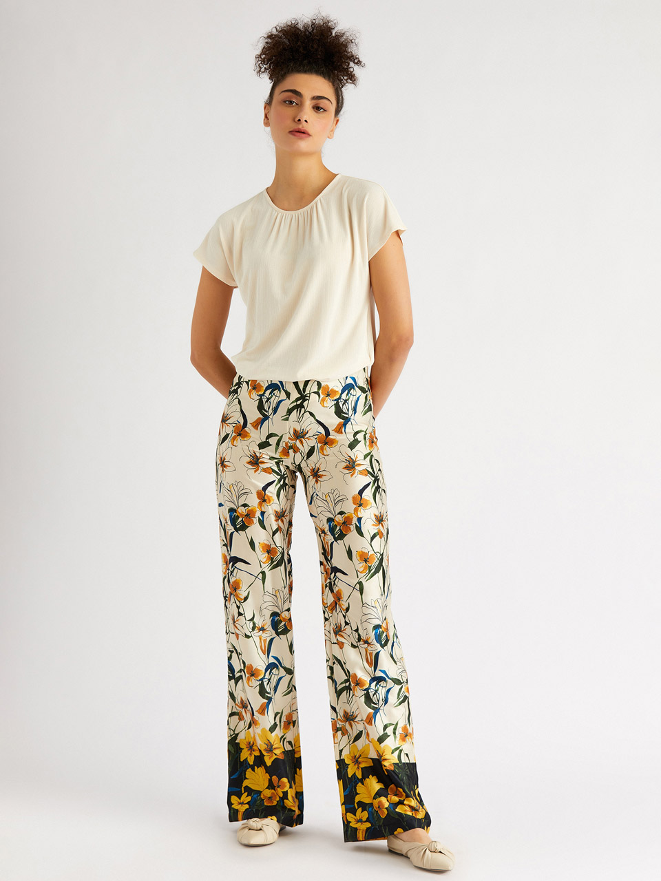 Floral Pattern Loose Cut Trousers