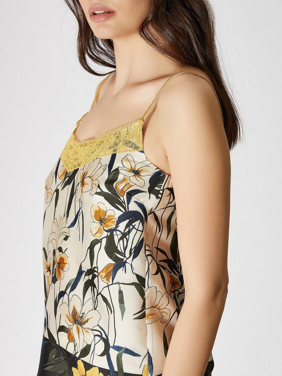 İp Askılı Çiçek Desenliı Bluz