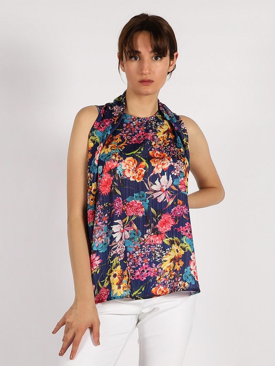 Çiçek Desenli Kolsuz Bluz