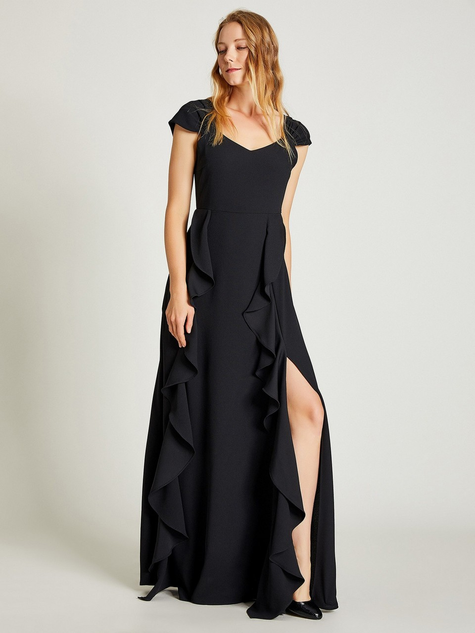 Sleeveless Ruffle Detailed Maxi Dress