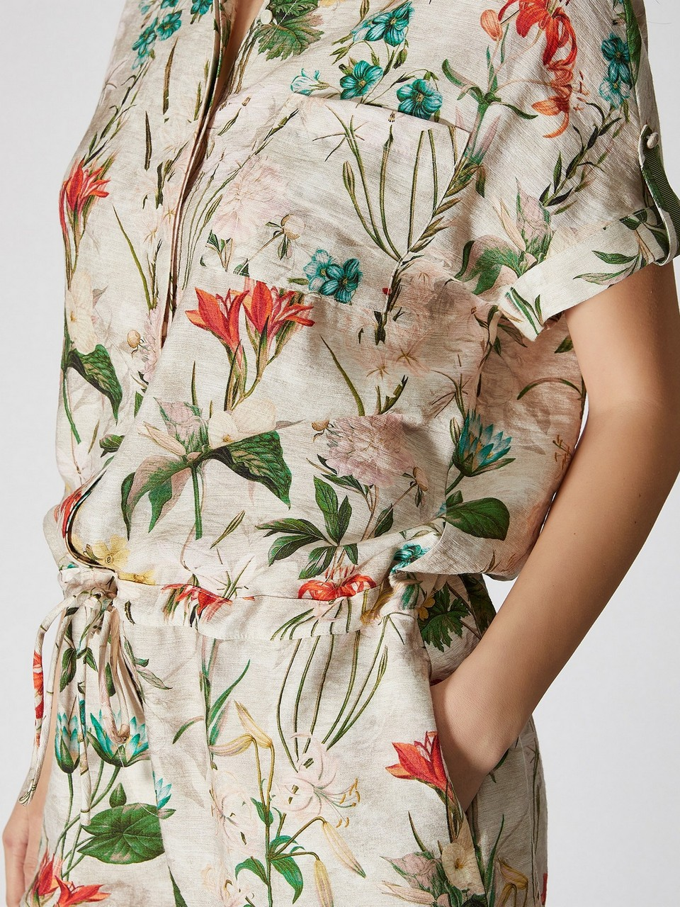 Gömlek Yaka Çiçek Desenli Şort Tulum