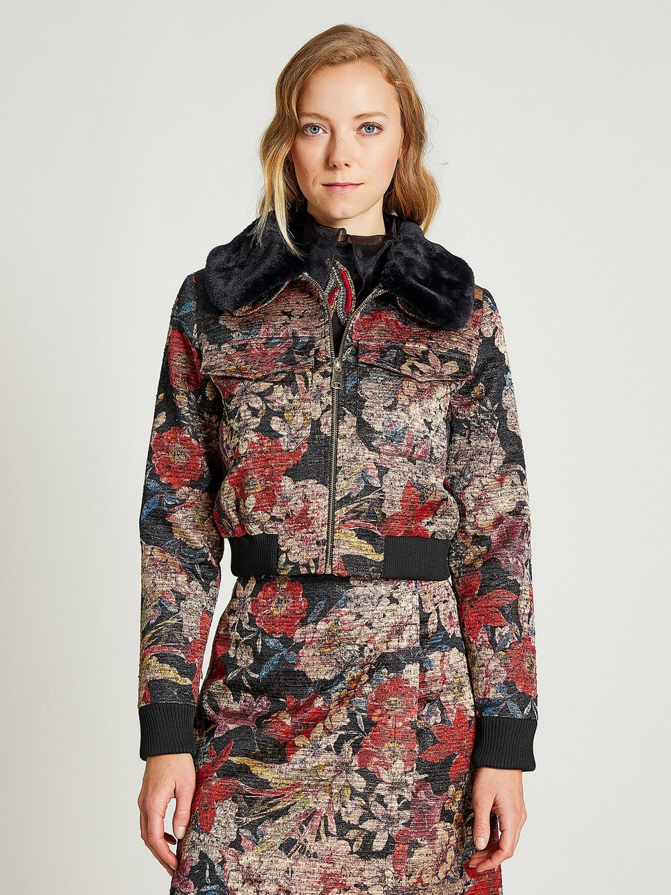 Floral Patterned Woolen Jacket With Fur