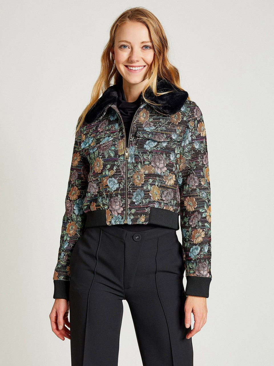 Floral Patterned Jacket With Fur