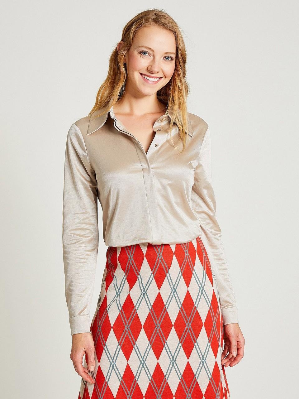Hidden Buttoned Satin Shirt