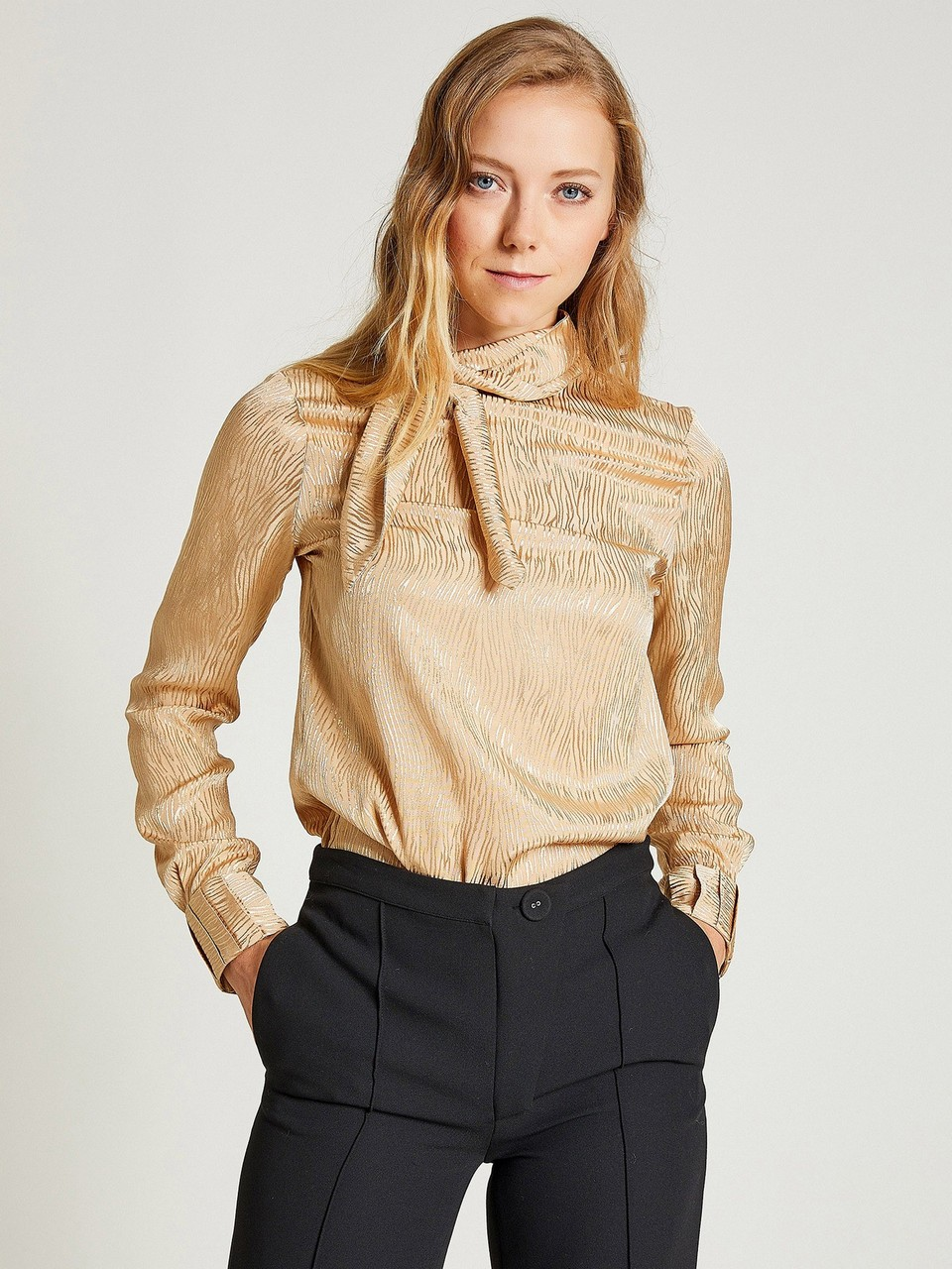 Tie Neck Jaquared Blouse