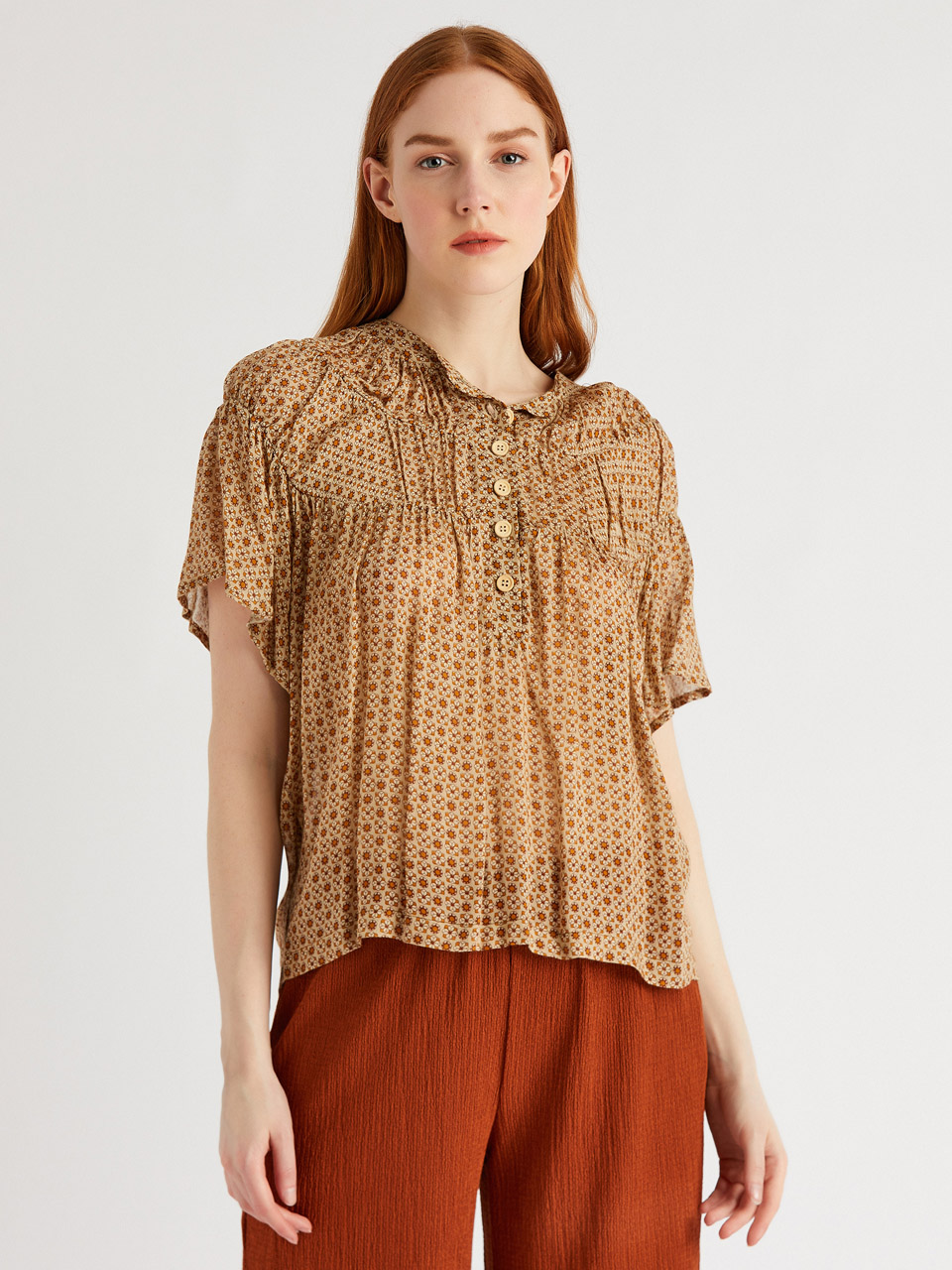 Relaxed Fit Blouse With Gathered Detail