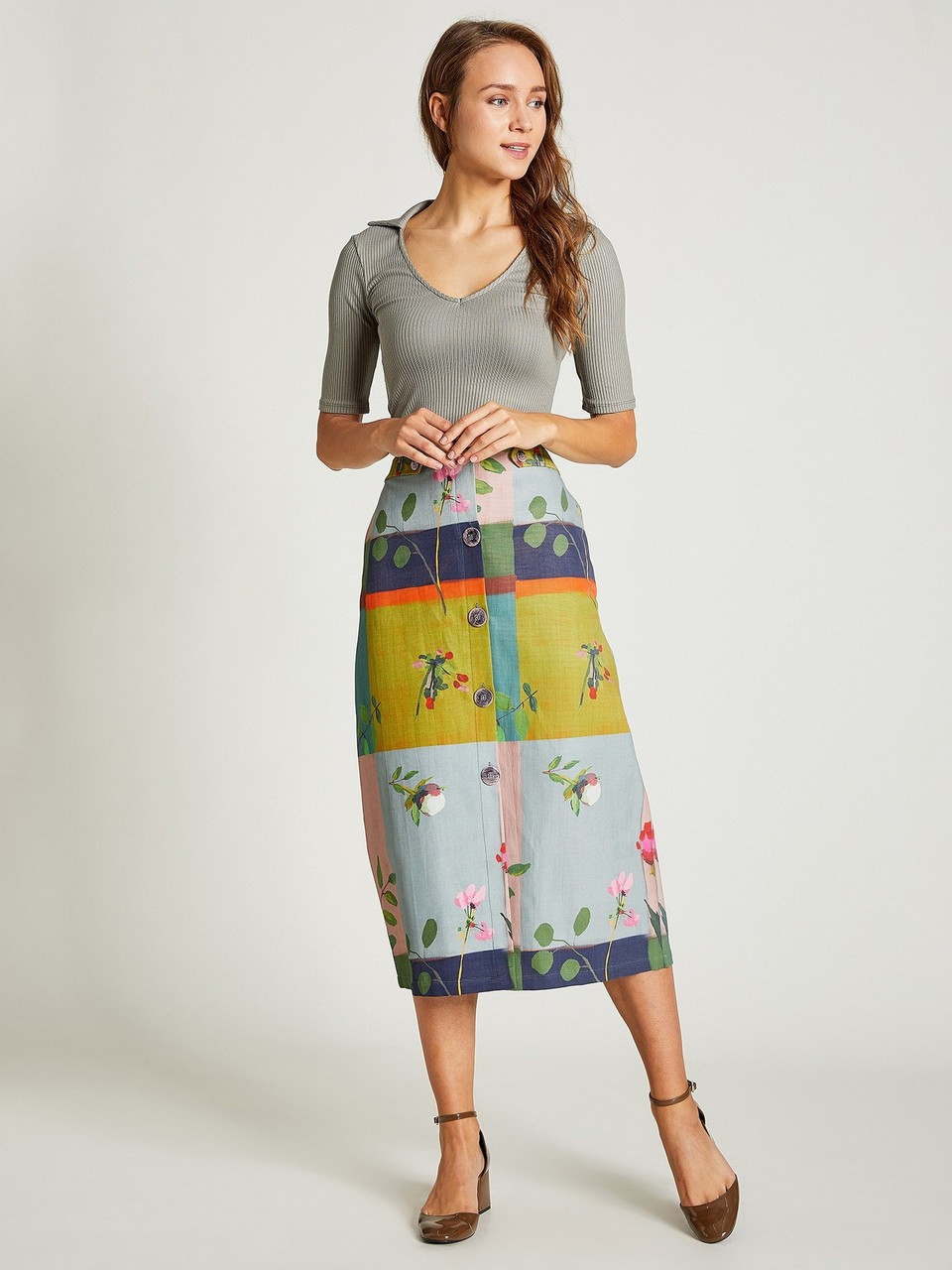 Floral Patterned Midi Skirt With Front Buttoned