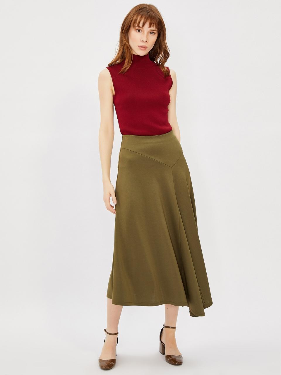 Asymmetrical Cut Midi Size Skirt