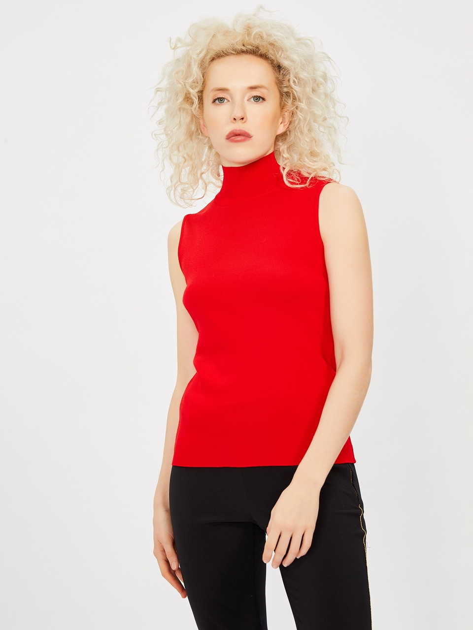Sleeveless Vertical Collar Tricot Blouse
