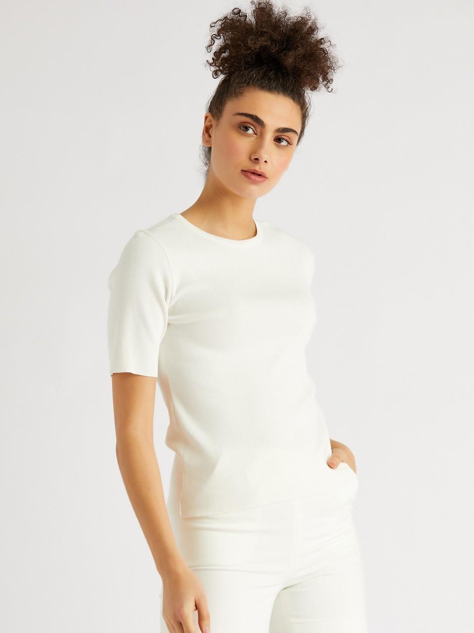 Round Neck Short Sleeve Knitwear Blouse